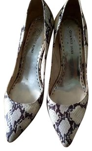 Gianni Bini Snakeskin Black and white Pumps
