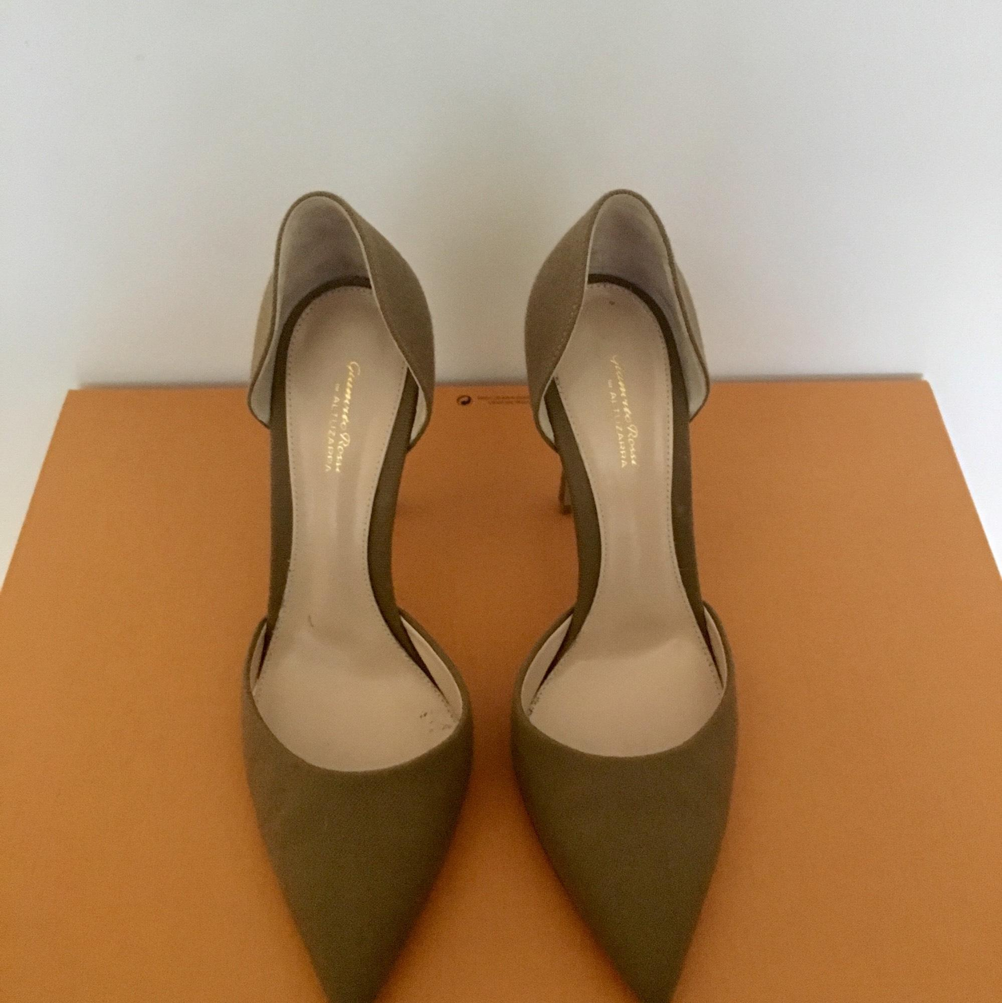a5bc20818aa0 ... Gianvito Rossi Tan Color For Altuzarra-limited Edition Pumps Size US US  US 7.5 Regular ...
