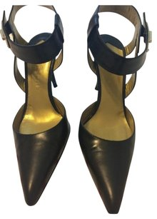 Givenchy Leather Made In Italy Goldtone Hardware Branded Hardware BLACK Pumps