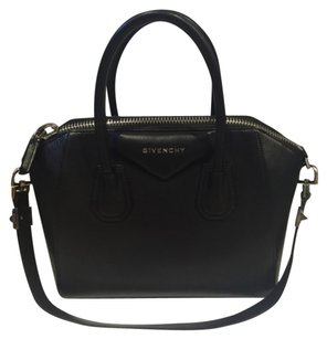 Givenchy Small Antigona Antigona Sugar Goatskin Antigona Satchel in Black