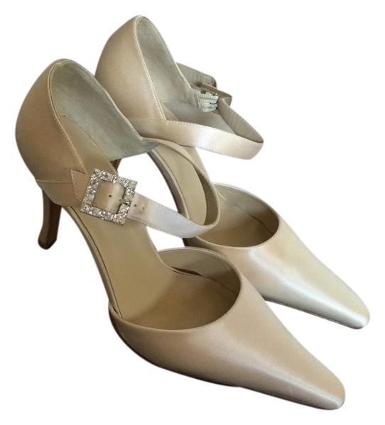 f93474 white silk formal shoes on tradesy