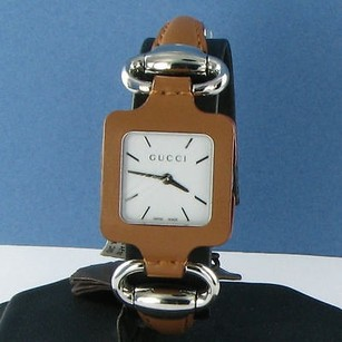 Gucci Gucci 1921 Camel Leather Bangle Case White Dial Watch Ya130401