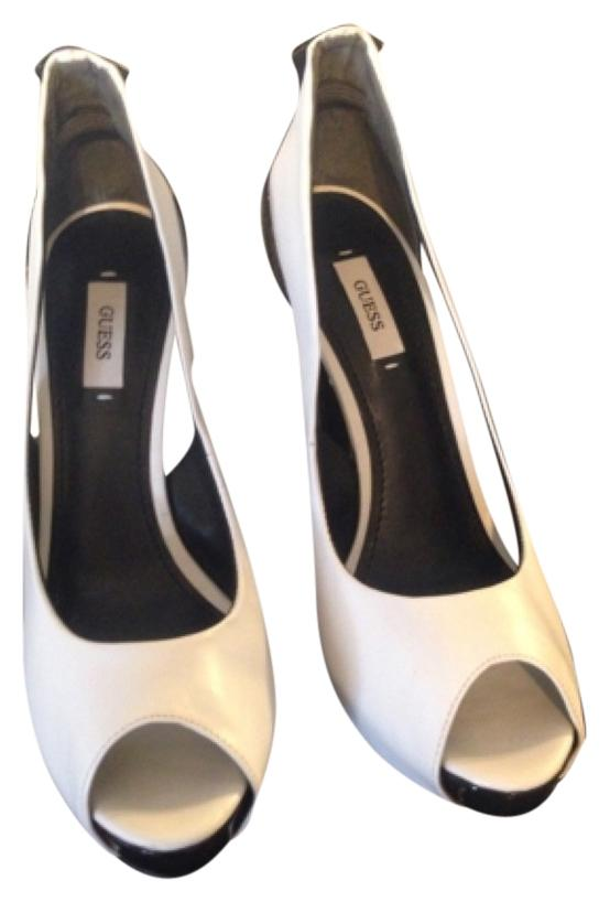 Guess Black and White Pumps Size US 7.5 Regular (M, B)