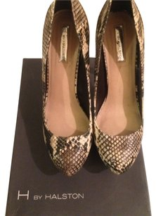 Halston H By Multi tan snake skin Pumps