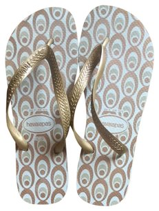 Havaianas White And Gold Sandals