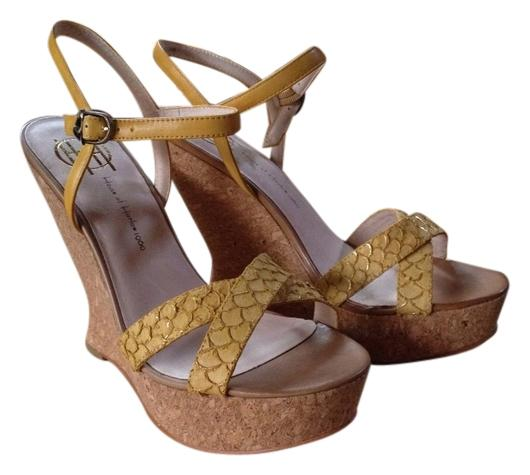 House of Harlow 1960 Yellow Snakeskin Leather Wedges Size US 9