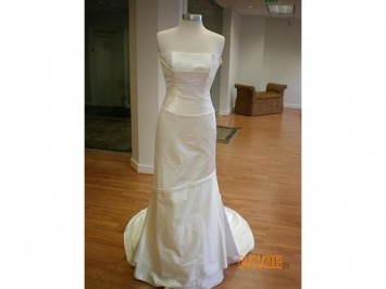 Jenny Lee Timeless 501 Wedding Dress