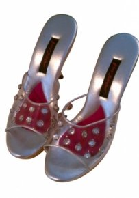 Betsey Johnson Clear upper with rhinestones, silver and wood lowe Pumps