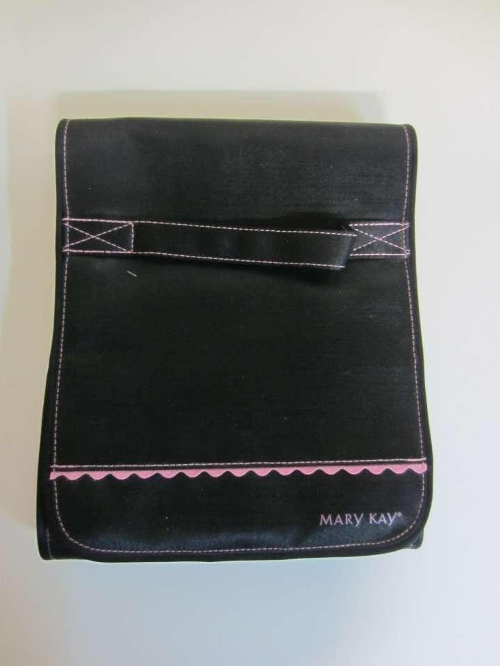 Black Amp Pink Cosmetic Bags 58 Off Accessories Tradesy