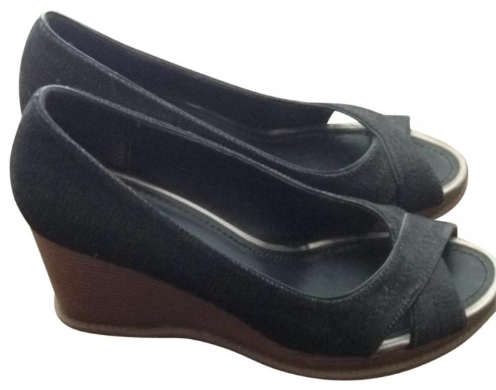 american eagle outfitters shoes up to 90 at tradesy