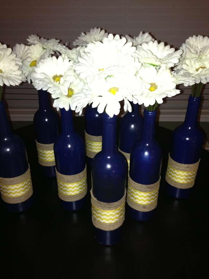 Decorated wine bottle with daisies tradesy weddings for Wine bottles decorated with flowers