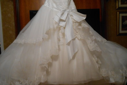 Ivory Tulle/Lace Natalie Modern Wedding Dress Size 10 (M)