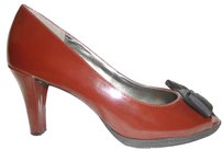 Liz Claiborne Nwot Burgundy and Black Pumps