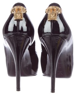 Louis Vuitton Patent Patent Leather Black Pumps