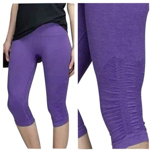 Lululemon New With Tags In The Flow Crop II heathered Iris Purple Size 4