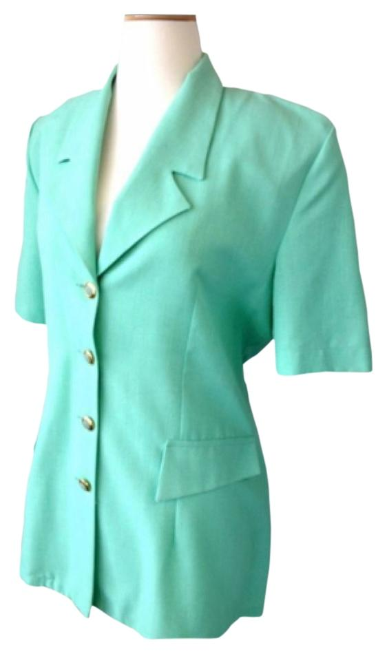 Shop Women's Blazers, Vests, Coats, and Jackets for every season and occasion at The Mint Julep Boutique. Find trendy tops and stylish outerwear today! Shop Women's Blazers, Vests, Coats, and Jackets for every season and occasion at The Mint Julep Boutique. Find trendy tops and stylish outerwear today!