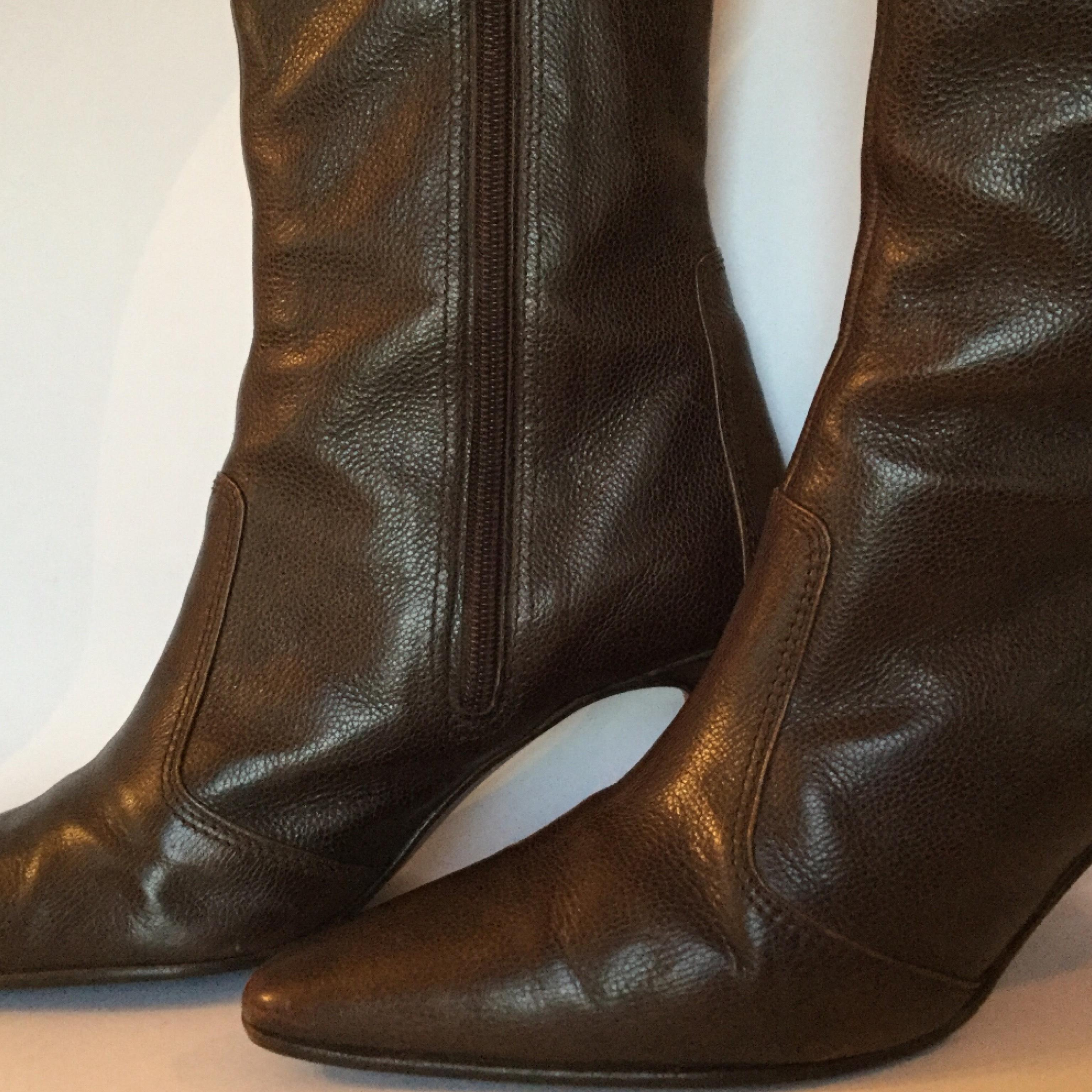 Manolo Blahnik Pointed-Toe Mid-Calf Boots sale low cost collections cheap online visa payment online rdyytuJQ