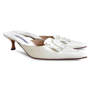 Manolo Blahnik Mule Leather Pointed Toe Off White Mules