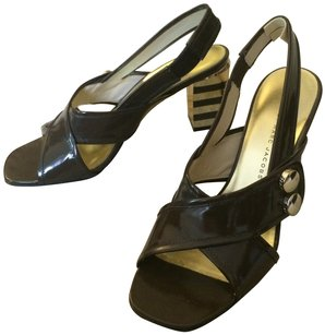 Marc by Marc Jacobs Patent Leather brown Sandals