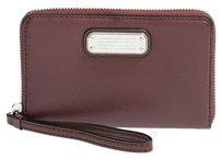 Marc by Marc Jacobs Wristlet in Cardamom