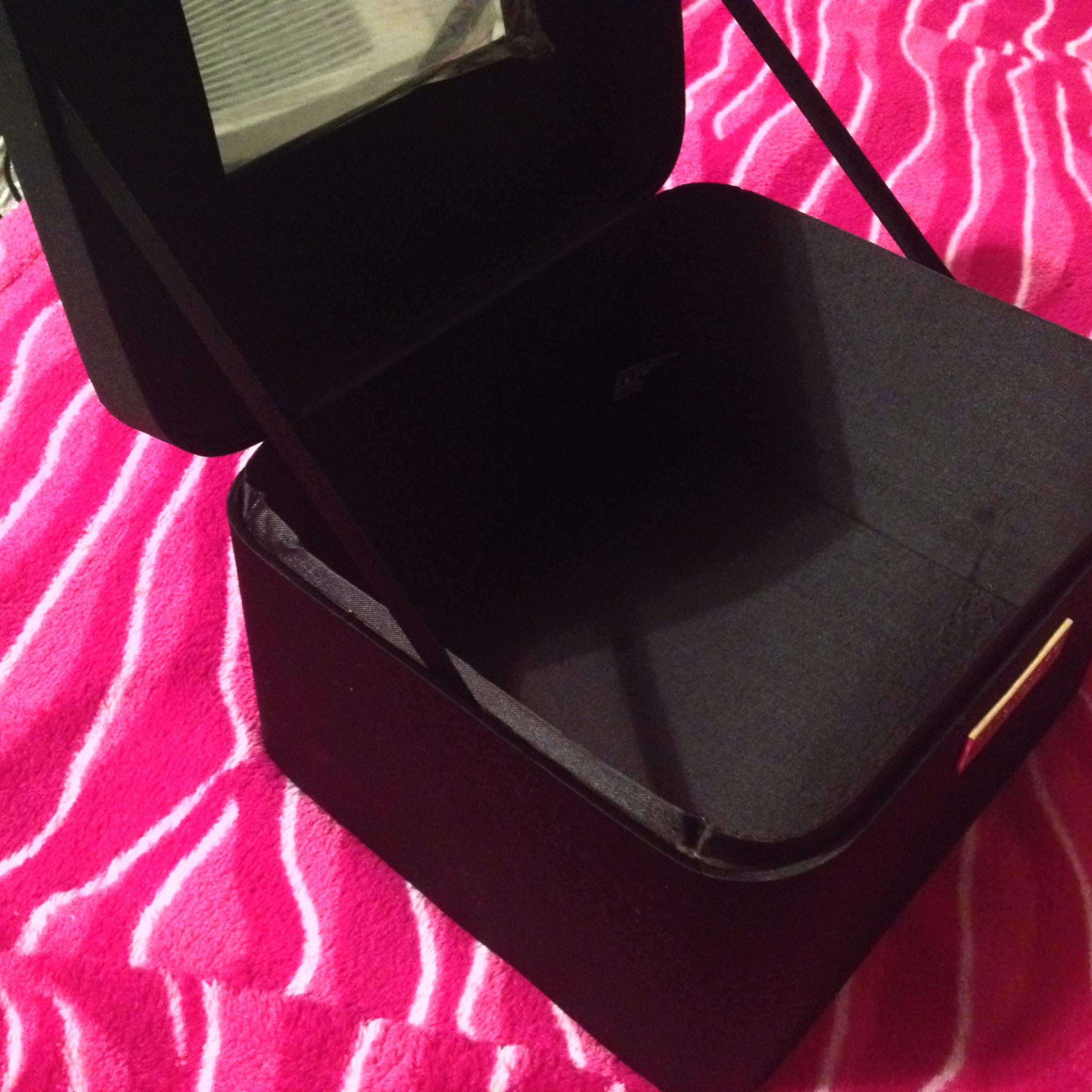 Marc Jacobs BRAND NEW without tags LARGE Black Satin Jewelry Box
