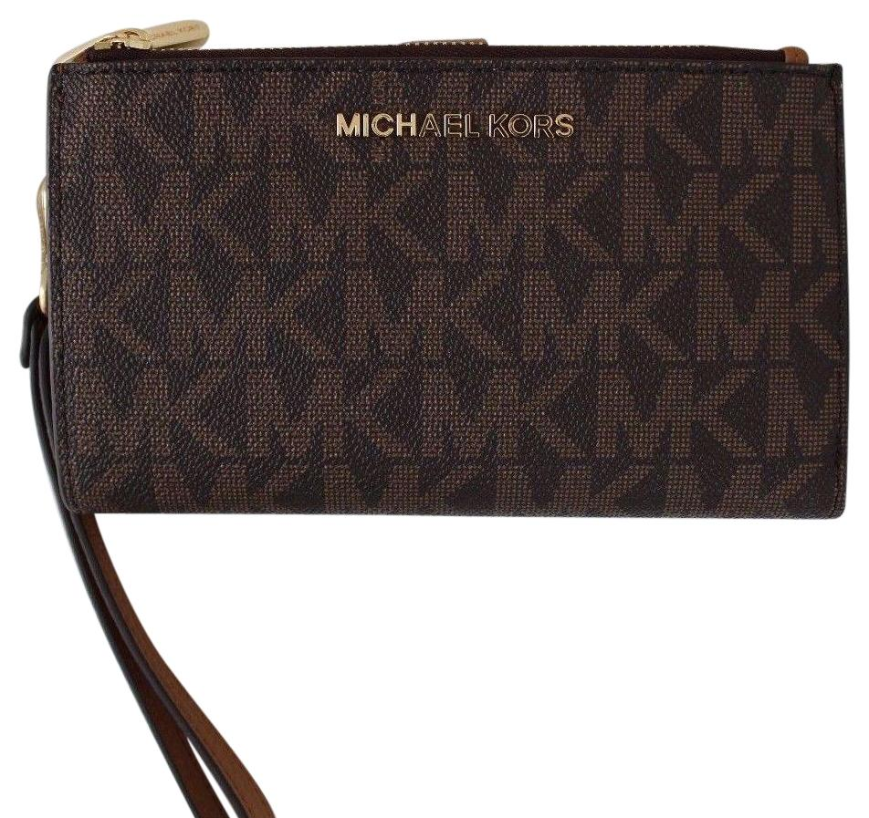 michael kors iphone wallet michael kors brown signature jet set travel zip 3857
