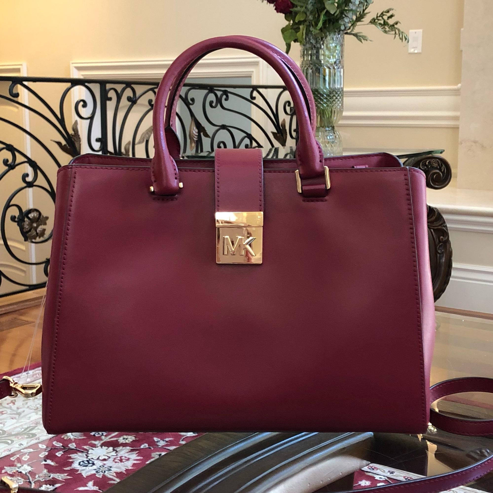 3c6a09b76466 ... canada michael kors mindy md ew crossbody mulberry leather satchel  tradesy 15668 fbde5