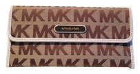 Michael Kors Reduced! NWT MICHAEL KORS AUSTIN FLAT CONTINENTAL WALLET MK SIG JACQUARD CLUTCH BAG BROWN