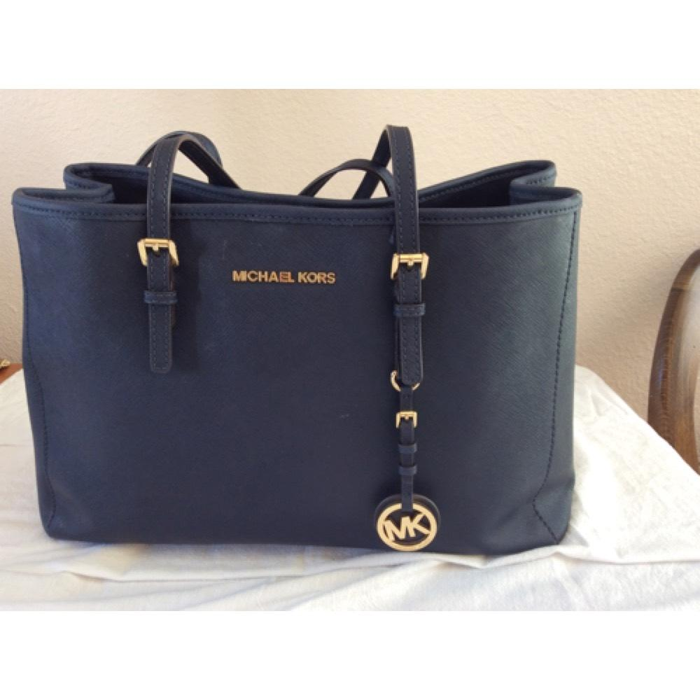 05498bb62118 Buy michael kors tote navy > OFF62% Discounted