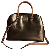 MICHAEL Michael Kors Satchel in Nickel Patent Leather And Beige Leather Handles