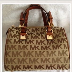 MICHAEL Michael Kors Satchel in Tan/camel