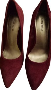 Nine West Suede Red/Cranberry Pumps