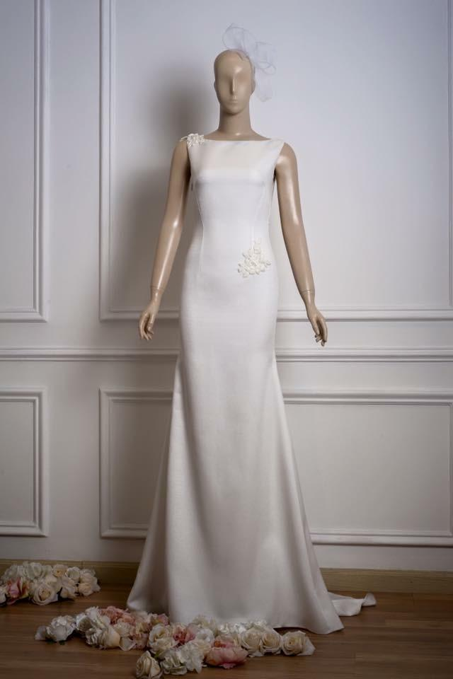 Nordstrom Ivory Elegant Modern Wedding Dress Size 4 (S ...