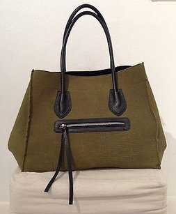 Braintropy Canvas Black Tote in Green