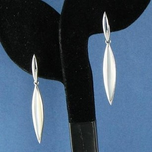 Kabana White Mother Of Pearl Earrings 14k White Gold Dangles