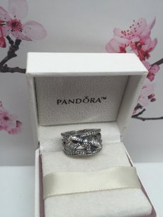 PANDORA New Pandora Delicate sentiments bow ring size 8.5 in box
