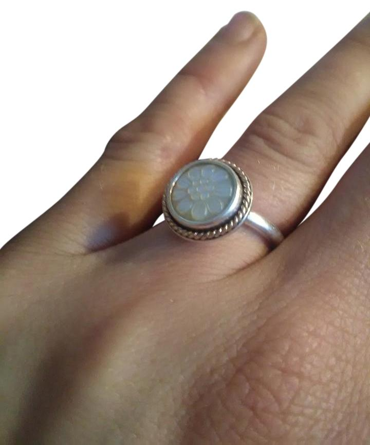 59326f05c ... shop pandora sterling silver 14k ale 925 daisy signet mother of pearl  ring tradesy 78864 beb8a