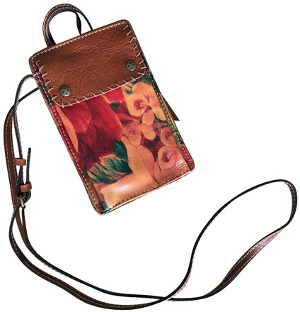 Preload https://item5.tradesy.com/images/patricia-nash-designs-tanfloral-leather-cross-body-bag-23782494-0-2.jpg?width=440&height=440