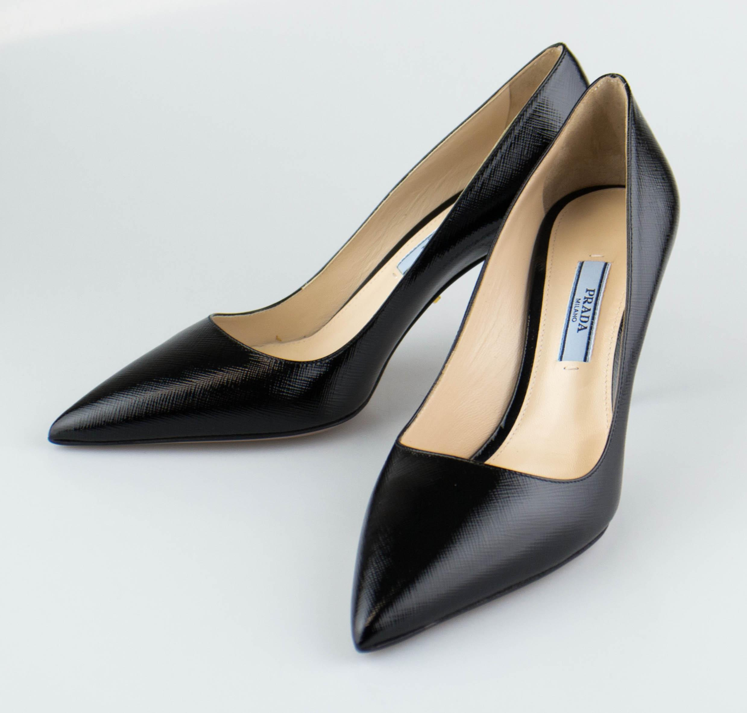 c34742a94da US 6 Prada Black Leather High Shine Pumps Size Size Size EU 36 (Approx. US  6 ...
