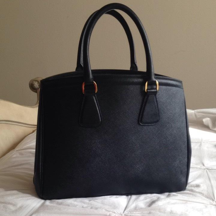 8293cb138e63 where can i buy prada saffiano lux tote black a66ab bf2e5