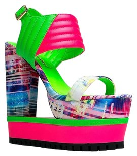 Privileged Multi/Print Wedges