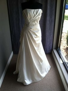 Pronovias Bangor Wedding Dress