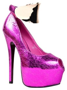 Red Kiss Pink Pumps