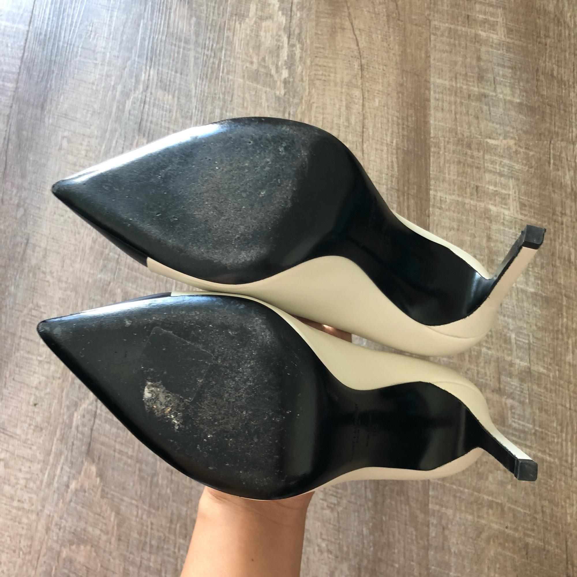 17a9d4775d ... Saint Laurent Black White Bi-color Leather Cap-toe White/Black Pumps  Size ...
