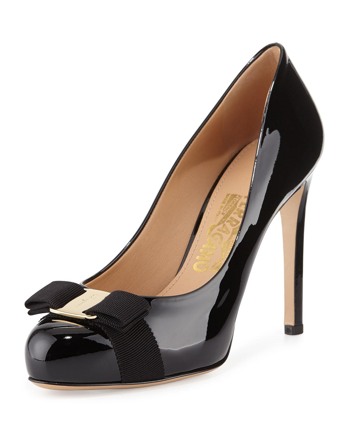 Salvatore Ferragamo Black New Pimpa Patent Bow B Pumps Size US 5 Regular (M, B)