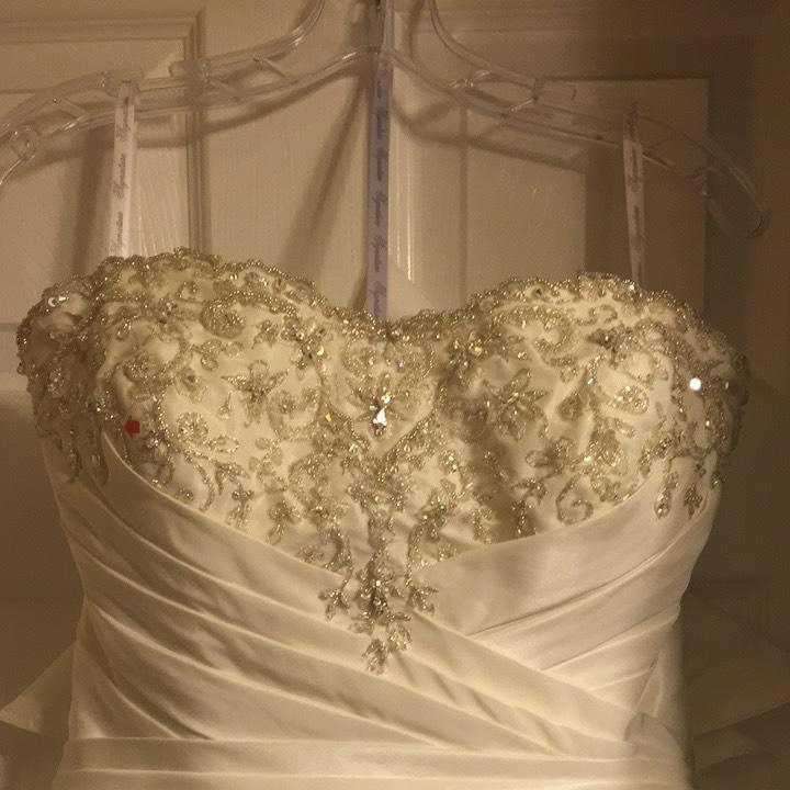 G wedding dress