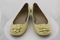 Tahari Roseanne Womens Yellow Ballet 8m Floral Leather Casual Pale Yellow Flats