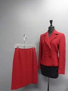 Tahari Tahari Deep Red Textured Back Vent Jacket And Skirt Suit Sma3908