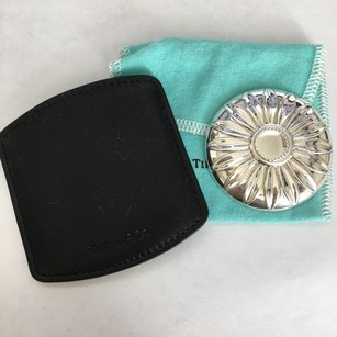 Tiffany & Co. NEW RARE Tiffany & Co Silver Daisy Round Purse Travel Mirror w/ Leather Pouch