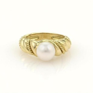 Tiffany & Co. Tiffany Co. 7.5mm Pearl 18k Yellow Gold Twisted Design Ring